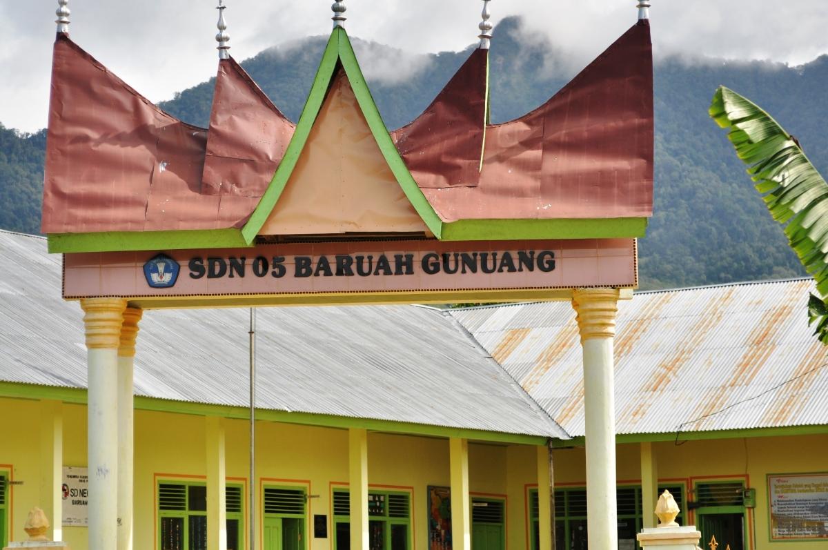 I Miss School: Baruah Gunuang